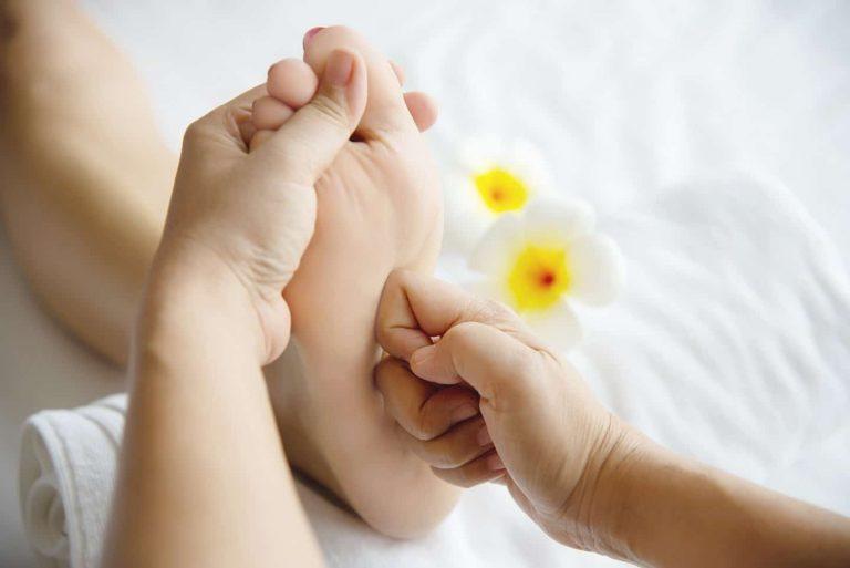 La réflexologie plantaire, ce n'est pas qu'une histoire de pieds...
